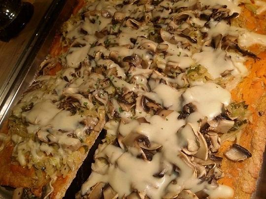 Pizza Formaggio e Funghi Vegana