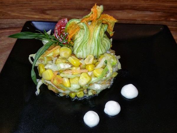 Fiore di Zucca Ripieno su Insalatina di Mais