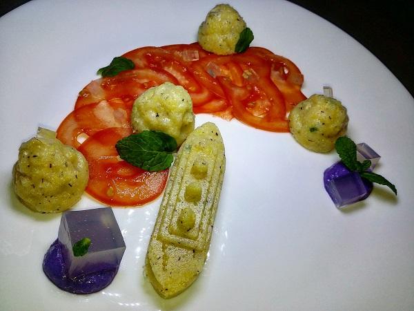 Polentina Gourmet di Mais all'Aneto e Alloro con Crema di Tofu al Cavolo Viola