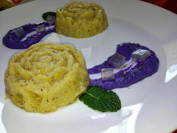Rose di Mais con Crema di Tofu e Cavolo Viola